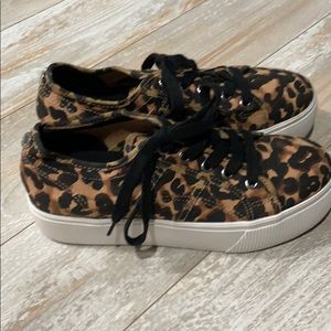 Steve Madden leopard print platform sneakers 7.5